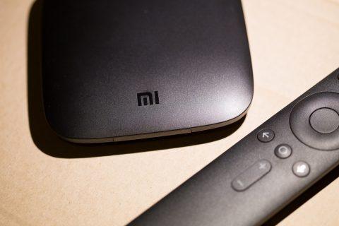 Recenzja Xiaomi Mi Box 4K – przystawka z Android TV dodająca Smart TV do telewizora lub monitora – wrażenia, zdjęcia, ocena, opinie